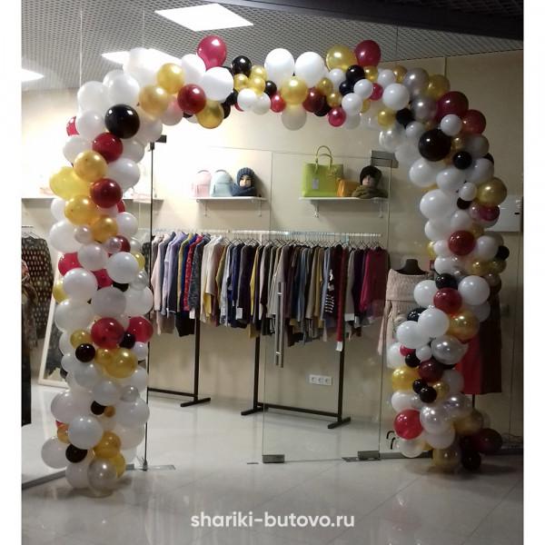 Разнокалиберная арка из шаров