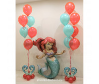 Русалочка и два фонтана из воздушных шаров с гелием