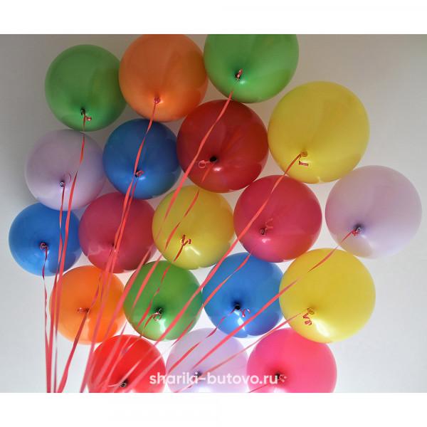 Разноцветные шарики с гелием под потолок